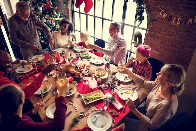 Famille ensemble concept de fête de noël Photo gratuit