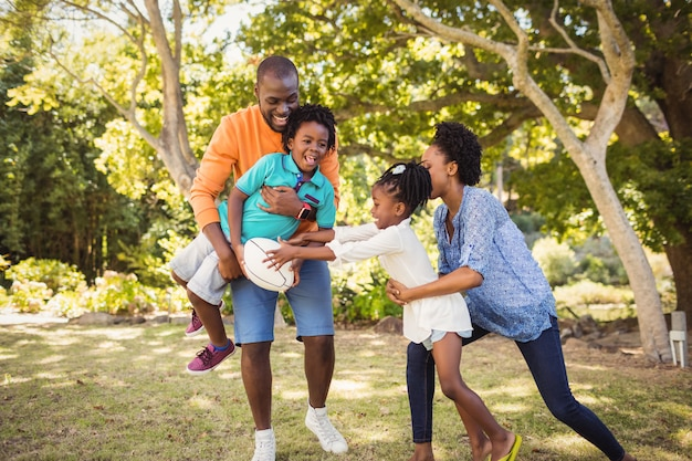 Famille Heureuse, Amusant Photo Premium