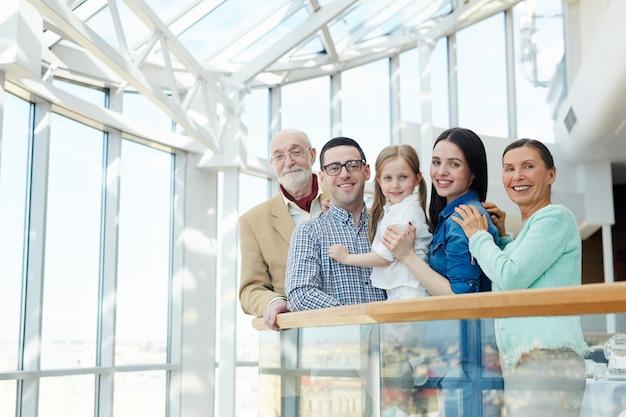 Famille de voyageurs Photo gratuit