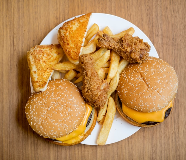 Fast-food gras et malsain Photo Premium