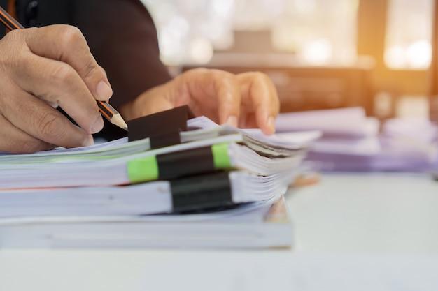 Femme Affaires, écriture, Sur, Documents Photo Premium