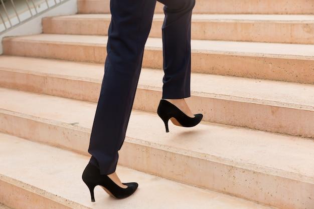 Femme Affaires, Marche, Haut Photo gratuit