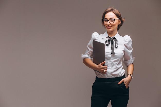 Femme d'affaires avec ordinateur isolé Photo gratuit