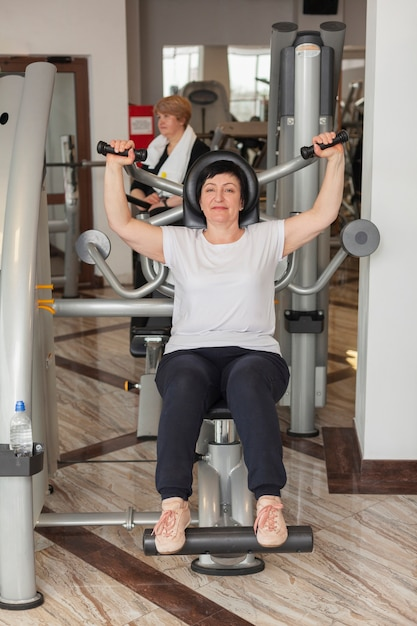 Femme Aînée, Exercisme Photo gratuit