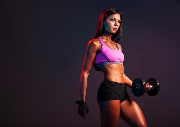 Femme Américaine Africaine, Dans, Gymnase Photo Premium