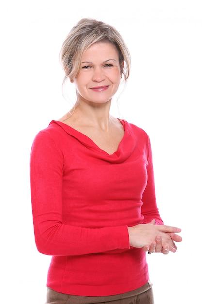 Femme Blonde En Chemisier Rouge Photo gratuit