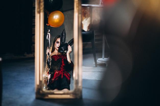 Femme En Costume D'halloween Photo gratuit