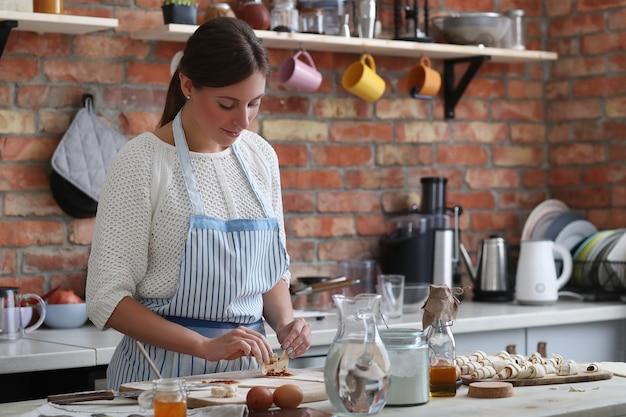 Femme, Cuisine Photo gratuit