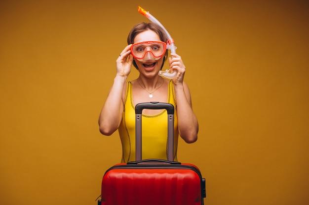 Femme dans un masque de plongée isolé Photo gratuit