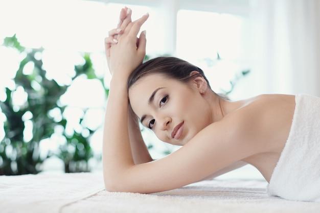 Femme, Dans, Spa, Salon Photo gratuit