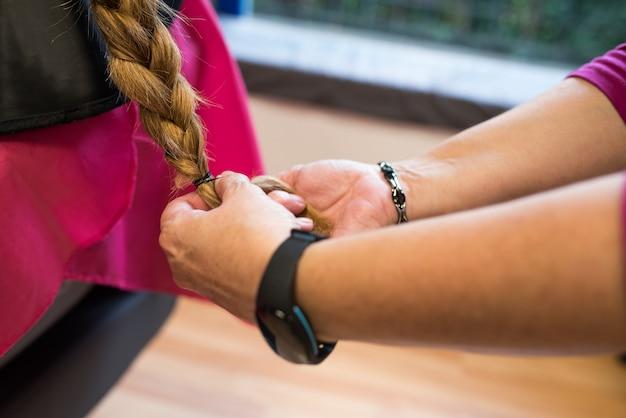 Femme, Donner, Cheveux, Cancer Photo Premium