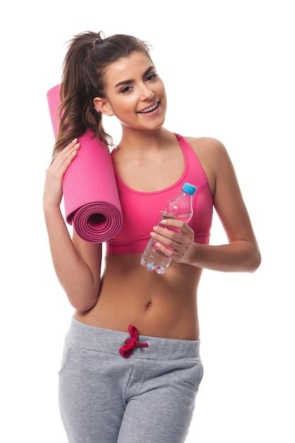 Femme, à, équipement, Pour, Entraînement Fitness Photo gratuit