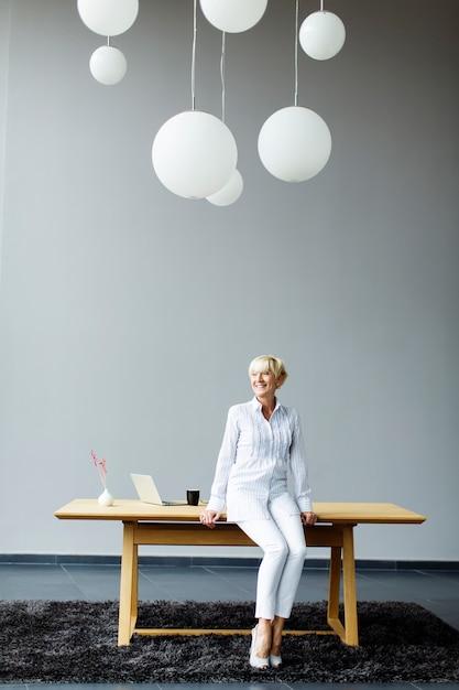 Femme, Fonctionnement, Bureau Photo Premium