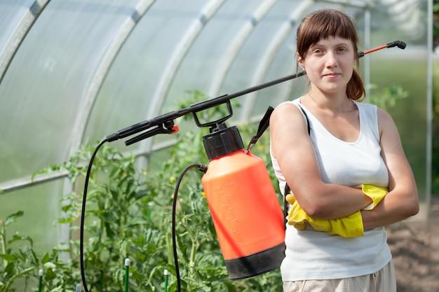 Femme jardinière Photo gratuit