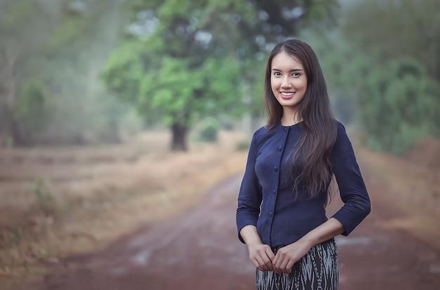 Femme locale thaïlandaise Photo Premium