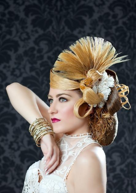 Femme de mode coiffure et maquillage Photo Premium