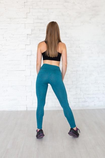 Femme Portant Des Leggings Sexy. Concept De Mode De Vie Sain. Femme Sport Photo Premium