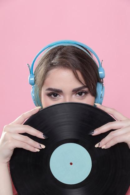 Femme, Porter, écouteurs, Poser, Vinyle, Disque Photo gratuit