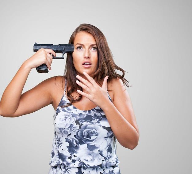 Femme qui tente de se suicider Photo gratuit