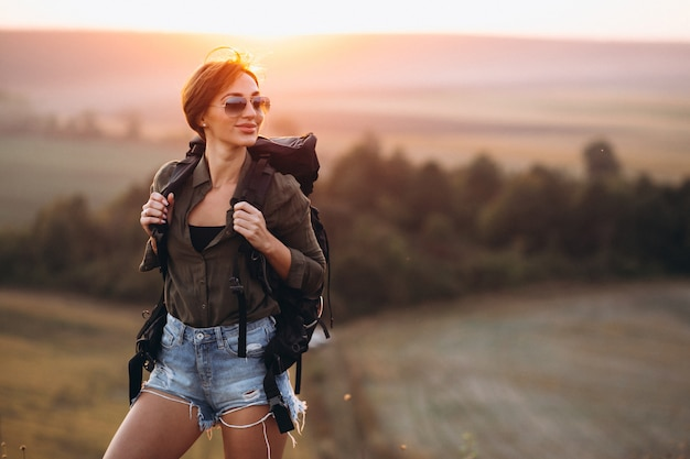 Femme, randonnée, montagnes Photo gratuit