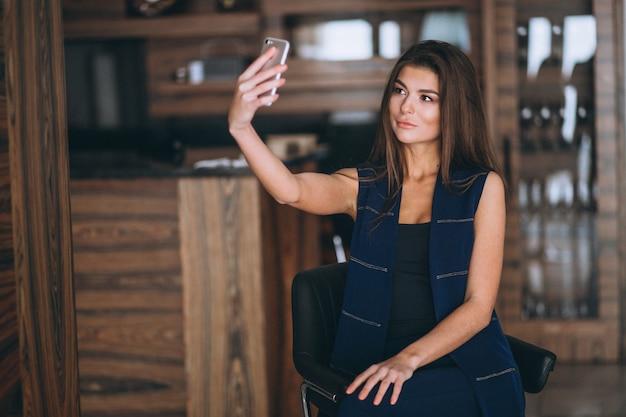 Femme, selfie, téléphone Photo gratuit