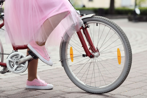 Femme à Vélo Photo gratuit
