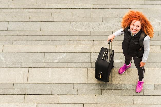 Femme Voyageant Autour Du Monde Photo gratuit