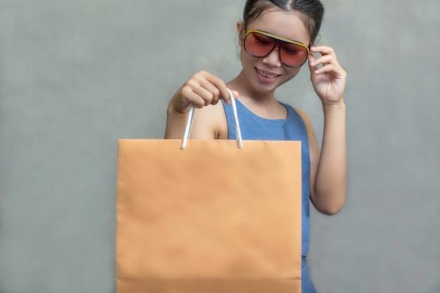 Femmes shopping Photo Premium