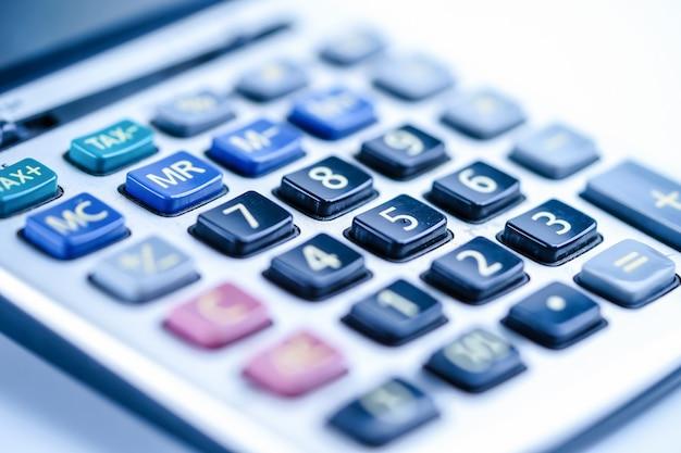 Feuille de calcul, graphiques et graphiques. finances, comptes, statistiques et affaires Photo Premium