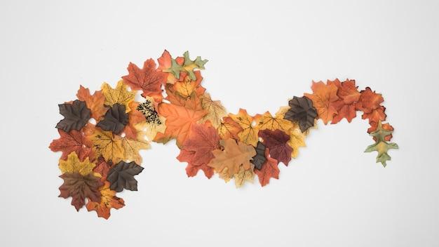 Feuilles d'automne conçu comme figure abstraite Photo gratuit