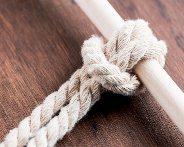 Ficelle Solide Corde Blanche Avec Une Barre Photo gratuit