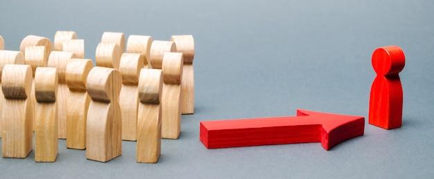 Figures en bois de personnes. Photo Premium