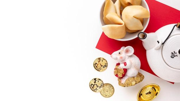 Figurine De Rat Et Théière Nouvel An Chinois Photo gratuit