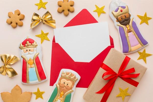 Figurines Comestibles En Biscuit Royalty Avec étoiles Dorées Photo gratuit