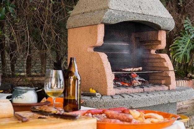 Filet De Boeuf Cuit Sur Des Charbons En Barbecue Photo gratuit