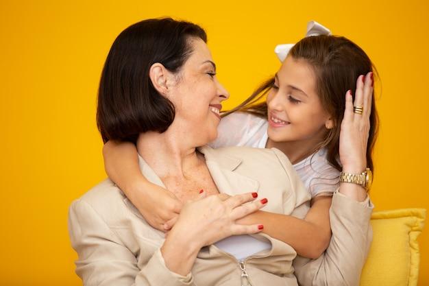 Fille Et Mère Heureuse Photo Premium
