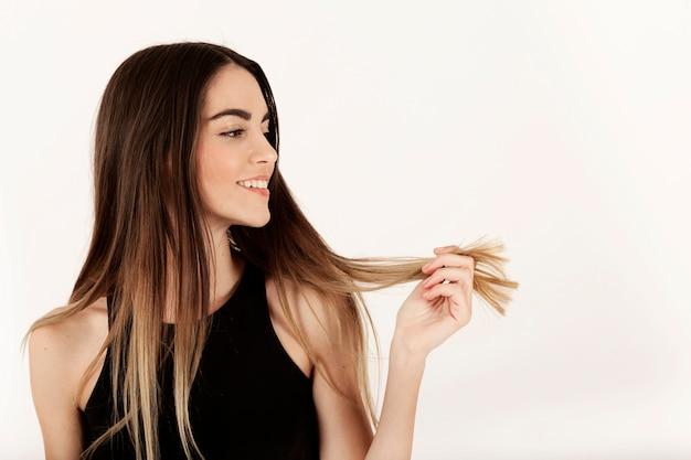 Fille de ses cheveux Photo gratuit