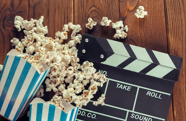 Film Clapper Board En Pop-corn Photo Premium