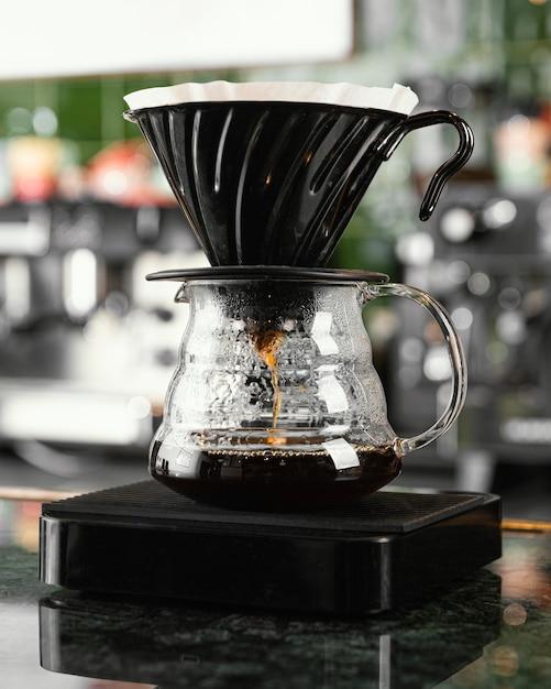 Filtre à Café Et Arrangement De Pot Photo Premium