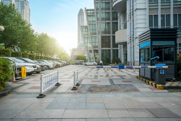 Financial district plaza parking Photo Premium