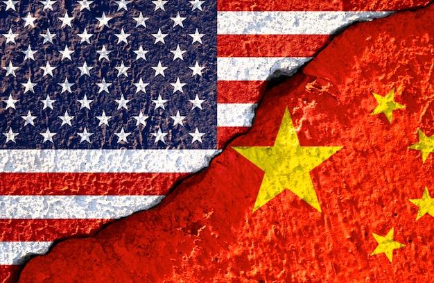 Fissure du drapeau américain et du drapeau chinois Photo Premium