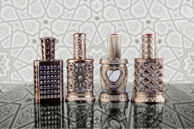 Flacons De Parfum De Beau Style Islamique Arabe Photo Premium