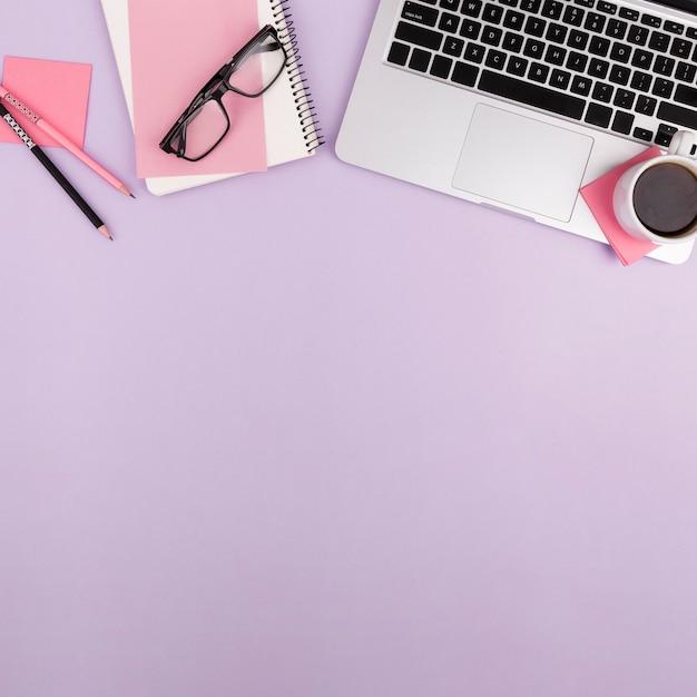 Flay Lay De Concept De Bureau Avec Espace De Copie Photo gratuit