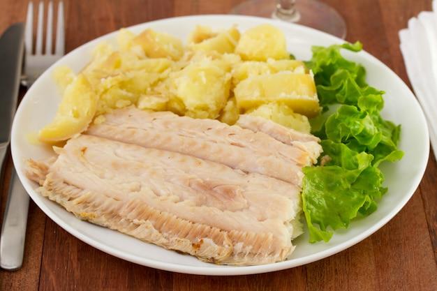Flet aux légumes sur l'assiette Photo Premium
