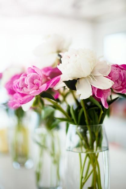 Fleurs de mariage rose renoncule Photo Premium