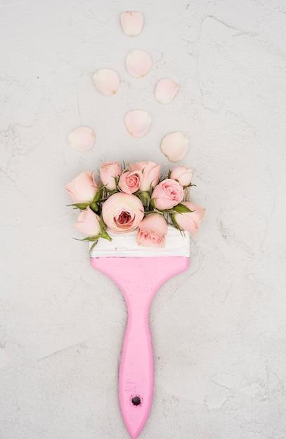 Fleurs De Printemps Avec Vue De Dessus De Pinceau Photo gratuit