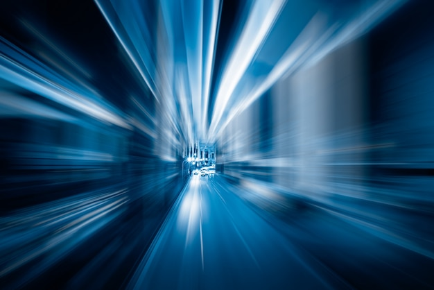 Flou light trails en tonalité bleue Photo gratuit