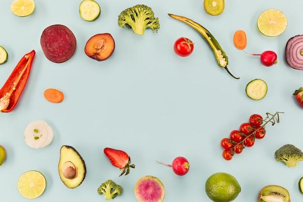 Fond Bleu Avec Des Légumes Et Des Fruits Copie Espace Photo gratuit