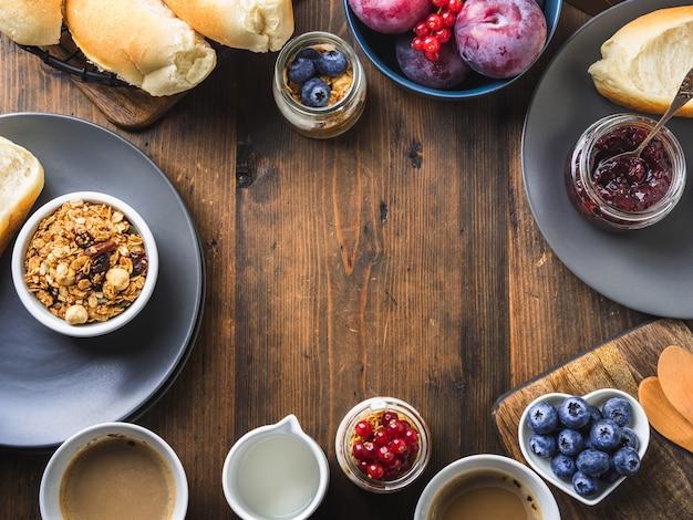 Fond de bois sombre concept petit-déjeuner alimentaire concept Photo Premium
