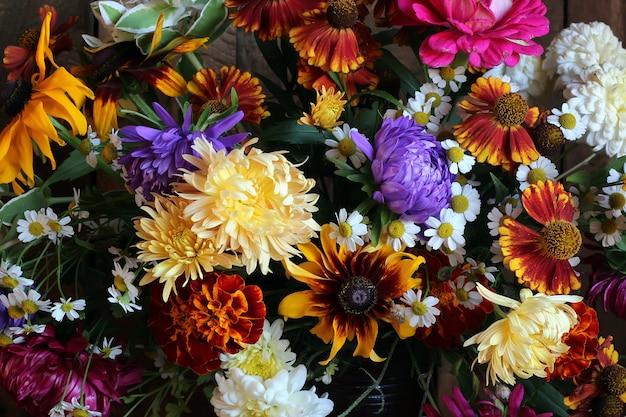 Fond De Couleurs D'automne, Bouquet Closeup Photo Premium